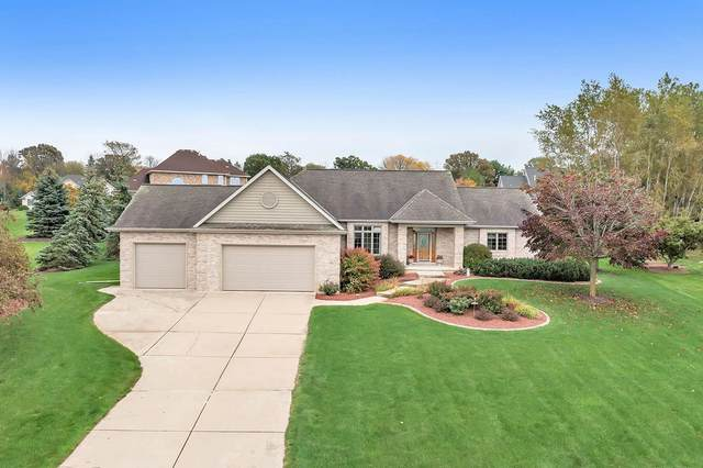 1626 E Sonata Drive, Green Bay, WI 54311 (#50249583) :: Todd Wiese Homeselling System, Inc.