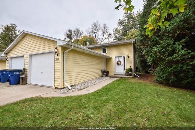 3544 S Timber Trail, Suamico, WI 54173 (#50249647) :: Town & Country Real Estate