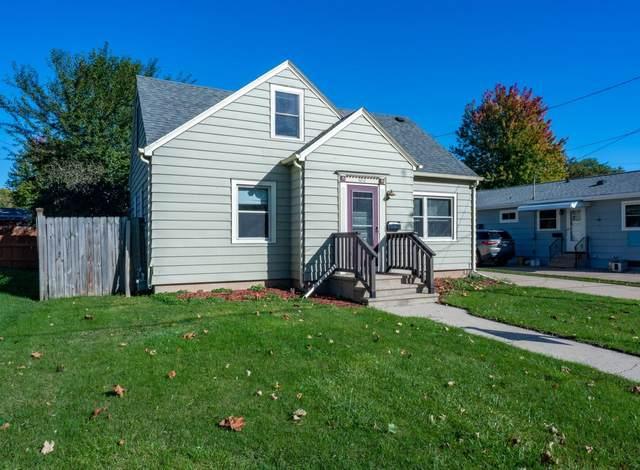 1012 E New York Avenue, Oshkosh, WI 54901 (#50249757) :: Todd Wiese Homeselling System, Inc.