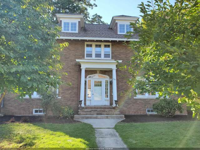 428 9TH Street, Neenah, WI 54956 (#50250031) :: Todd Wiese Homeselling System, Inc.