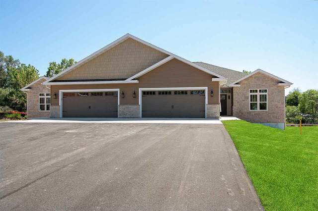 606 Olde River Court, Green Bay, WI 54301 (#50204997) :: Todd Wiese Homeselling System, Inc.