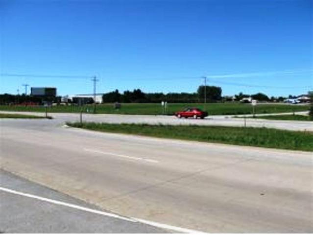 D B Frontage Road #2, Lena, WI 54174 (#50028676) :: Todd Wiese Homeselling System, Inc.