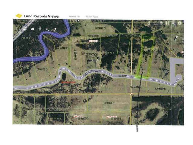 E1720 River Wood Drive, Waupaca, WI 54981 (#50148189) :: Todd Wiese Homeselling System, Inc.