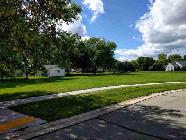 630 Julius Court, Omro, WI 54963 (#50151545) :: Todd Wiese Homeselling System, Inc.