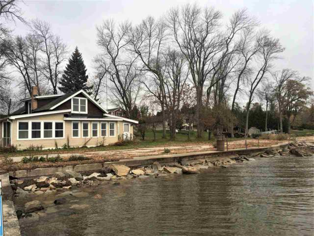 3426 Hwy S, Little Suamico, WI 54141 (#50163716) :: Dallaire Realty