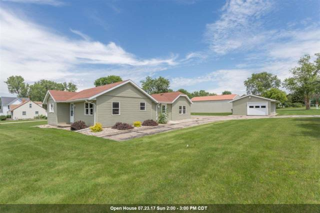 W6894 Sunnyvale, Greenville, WI 54942 (#50167503) :: Dallaire Realty