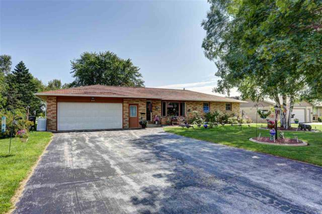 860 Stoller Avenue, Algoma, WI 54201 (#50170767) :: Todd Wiese Homeselling System, Inc.