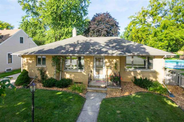 340 N Wilson Street, Kimberly, WI 54136 (#50171091) :: Dallaire Realty