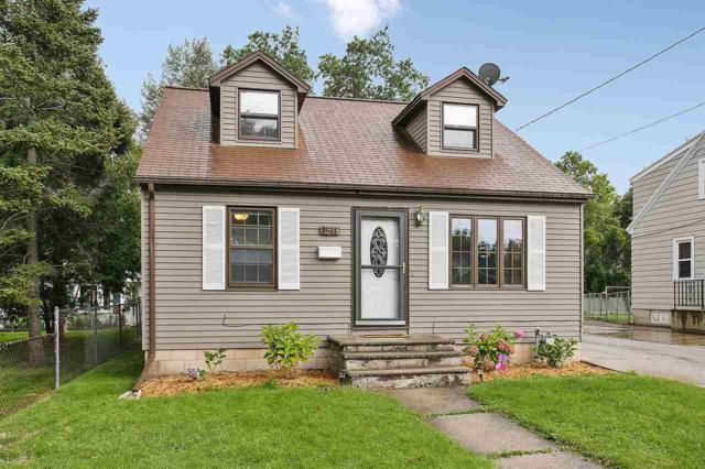 1511 14TH Avenue, Green Bay, WI 54304 (#50171250) :: Dallaire Realty
