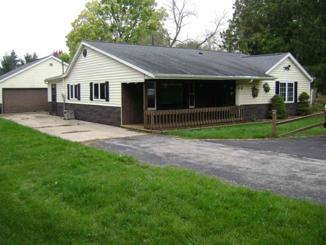 405 Maple Lane, Neenah, WI 54956 (#50172946) :: Todd Wiese Homeselling System, Inc.