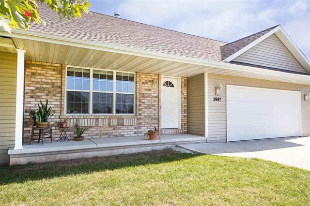 3997 Wright Circle, De Pere, WI 54115 (#50173000) :: Todd Wiese Homeselling System, Inc.