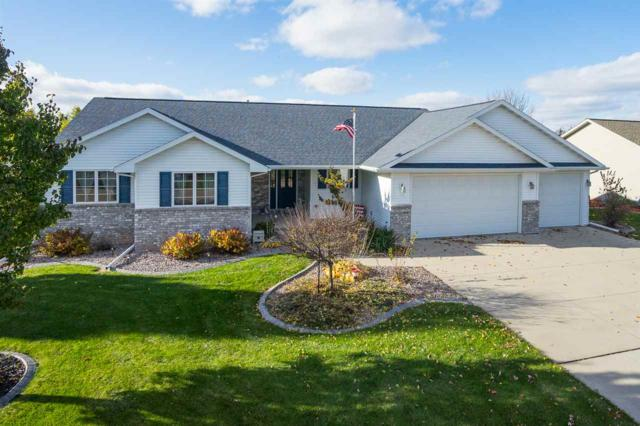 1250 Fieldview Drive, Menasha, WI 54952 (#50174580) :: Dallaire Realty