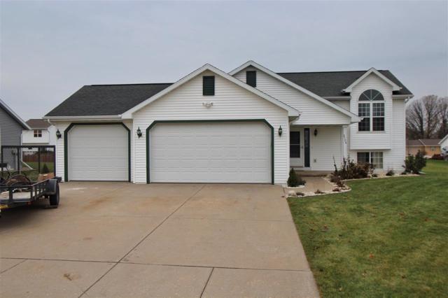 2124 Bufflehead Lane, Green Bay, WI 54311 (#50174682) :: Todd Wiese Homeselling System, Inc.