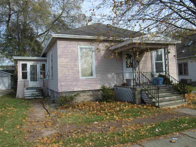 220 E Columbian Avenue, Neenah, WI 54956 (#50174908) :: Todd Wiese Homeselling System, Inc.