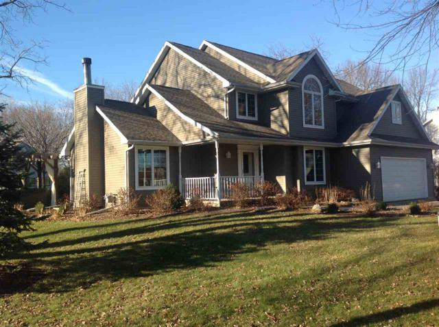 637 Hunters Point Road, Neenah, WI 54956 (#50175140) :: Todd Wiese Homeselling System, Inc.