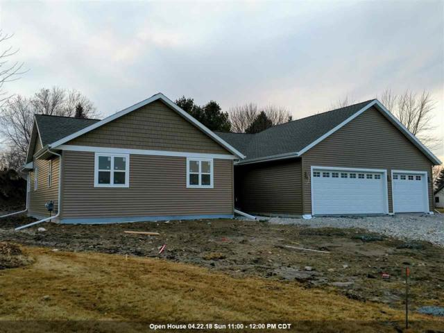 472 Leona Way, Oakfield, WI 53065 (#50175861) :: Dallaire Realty