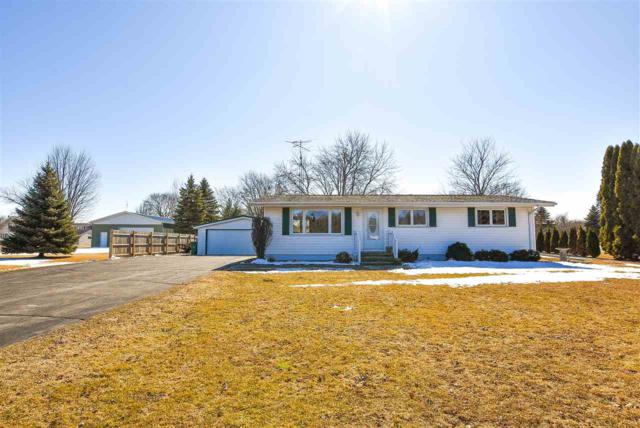 W6924 E Lone Elm Road, Van Dyne, WI 54979 (#50179062) :: Dallaire Realty