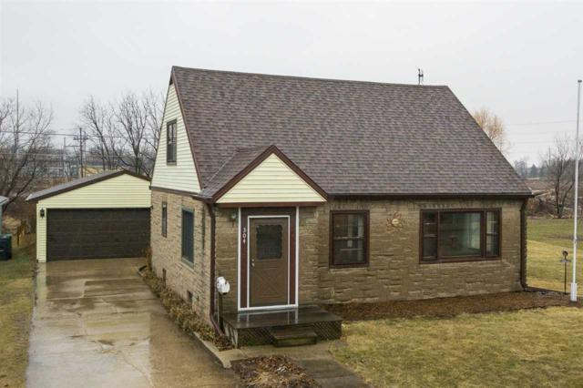 304 N John Street, Kimberly, WI 54136 (#50180831) :: Dallaire Realty