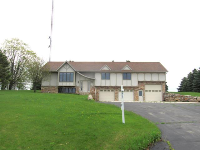 N5622 Maple View Lane, Hilbert, WI 54129 (#50181061) :: Dallaire Realty