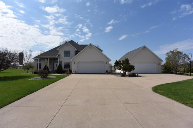 W1587 Carolyn Lane, Kaukauna, WI 54130 (#50182880) :: Symes Realty, LLC