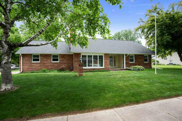 1601 S Locust Street, Green Bay, WI 54303 (#50185512) :: Dallaire Realty