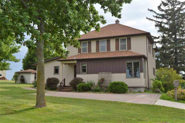 W2560 Birschbach Drive, Mount Calvary, WI 53057 (#50186540) :: Todd Wiese Homeselling System, Inc.
