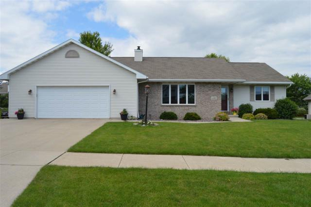 1585 Weatherstone Trail, De Pere, WI 54115 (#50186575) :: Todd Wiese Homeselling System, Inc.