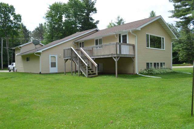 W8526 Rustic Drive, Clintonville, WI 54929 (#50186595) :: Dallaire Realty