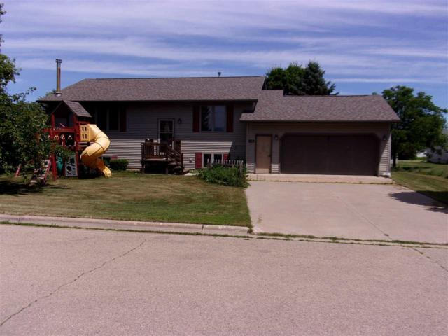 1508 Northridge Drive, New London, WI 54961 (#50186929) :: Todd Wiese Homeselling System, Inc.