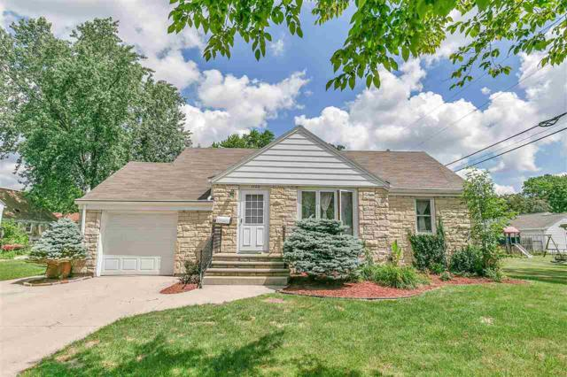 1120 Hickory Hill Drive, Green Bay, WI 54304 (#50188049) :: Todd Wiese Homeselling System, Inc.