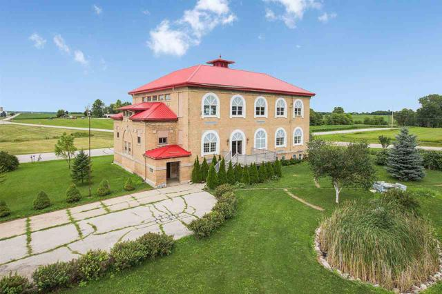 7530 St Pats Road, Reedsville, WI 54230 (#50188386) :: Dallaire Realty