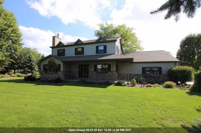 2790 Oakwood Circle, Oshkosh, WI 54904 (#50191093) :: Symes Realty, LLC