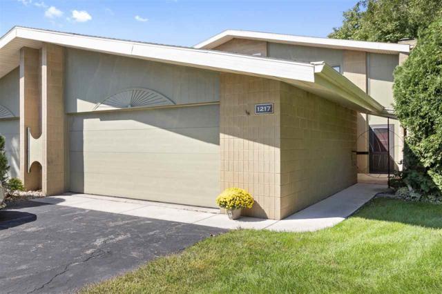1217 S Nicolet Road #1, Appleton, WI 54914 (#50191380) :: Symes Realty, LLC