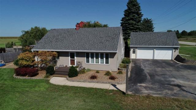 N6021 Hwy 47, Black Creek, WI 54106 (#50191389) :: Todd Wiese Homeselling System, Inc.