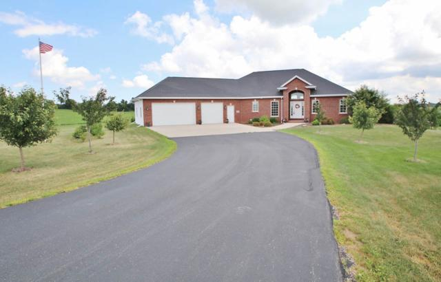6789 Ridge Royale Drive, Greenleaf, WI 54126 (#50191643) :: Todd Wiese Homeselling System, Inc.