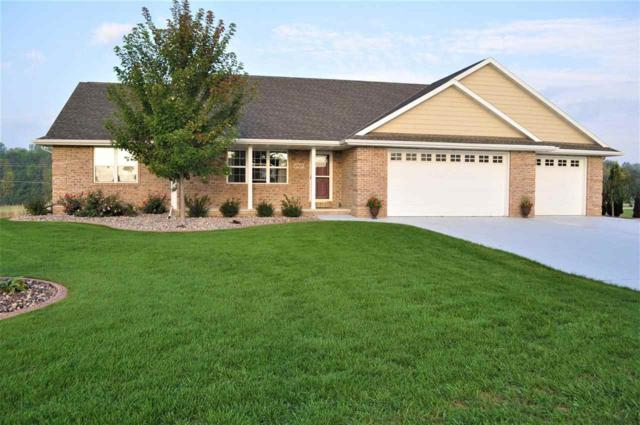 2937 Firethorn Court, Suamico, WI 54313 (#50192298) :: Symes Realty, LLC