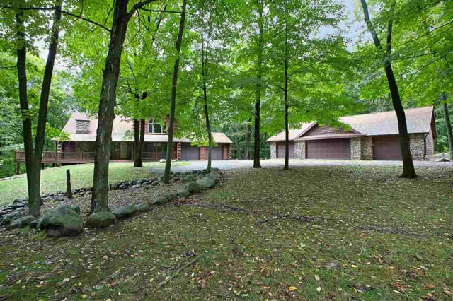 W8716 Spring Road, Hortonville, WI 54944 (#50192634) :: Symes Realty, LLC