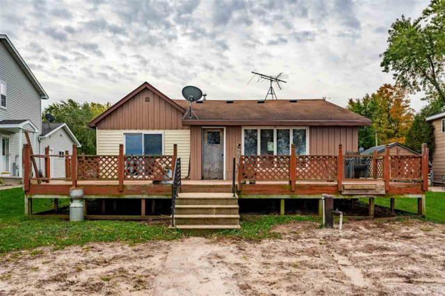 8434 Oconnells Resort Road, Winneconne, WI 54986 (#50193339) :: Dallaire Realty