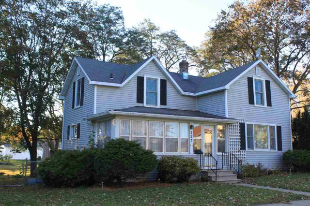 227 Foote Street, Seymour, WI 54165 (#50193474) :: Dallaire Realty