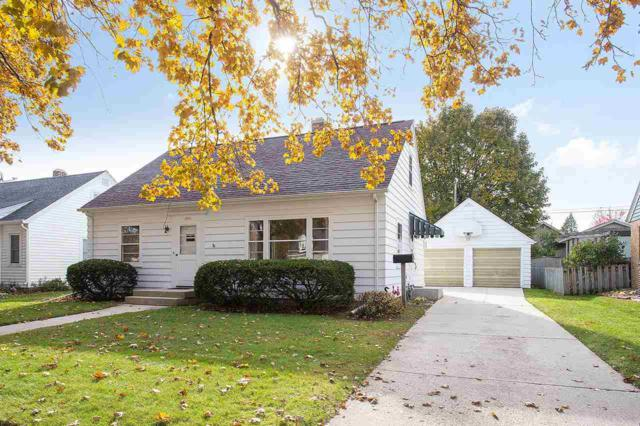 2203 Fairmont Street, Manitowoc, WI 54220 (#50193873) :: Dallaire Realty