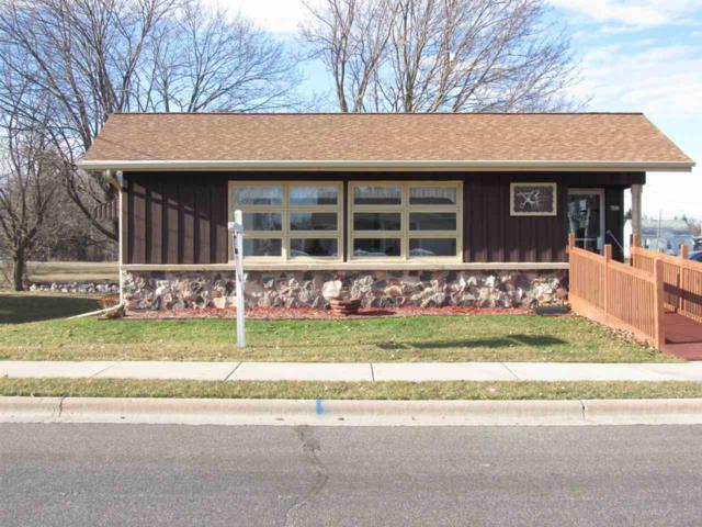 422 Menasha Street, Reedsville, WI 54230 (#50193915) :: Dallaire Realty