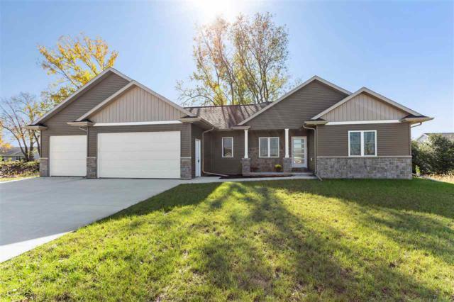 2827 Fallen Oak Drive, Appleton, WI 54913 (#50193946) :: Todd Wiese Homeselling System, Inc.