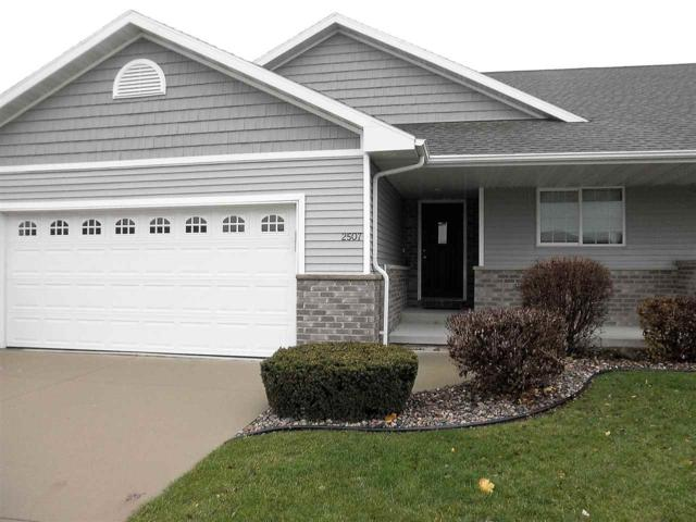 2507 W Crais Court, De Pere, WI 54115 (#50194472) :: Todd Wiese Homeselling System, Inc.