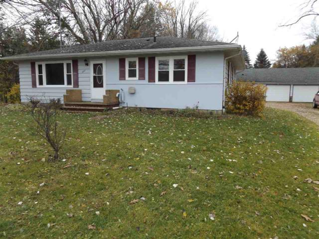 1221 W Edgewood Drive, Appleton, WI 54913 (#50194484) :: Todd Wiese Homeselling System, Inc.