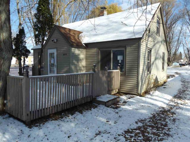 326 West Street, New London, WI 54961 (#50194566) :: Todd Wiese Homeselling System, Inc.