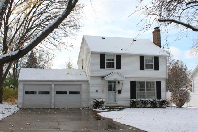 325 Iroquois Avenue, Green Bay, WI 54301 (#50194610) :: Todd Wiese Homeselling System, Inc.