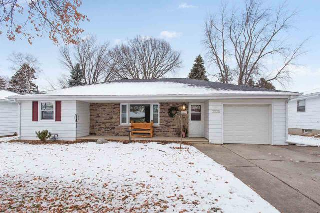 2025 Zeise Avenue, Green Bay, WI 54302 (#50195494) :: Todd Wiese Homeselling System, Inc.