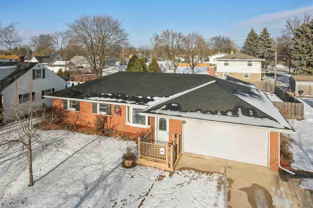 821 Bolles Street, De Pere, WI 54115 (#50195550) :: Todd Wiese Homeselling System, Inc.