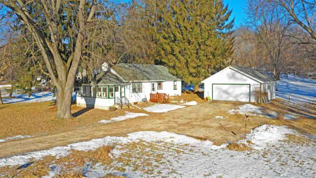 E1892 Hwy 54, Waupaca, WI 54981 (#50196170) :: Dallaire Realty