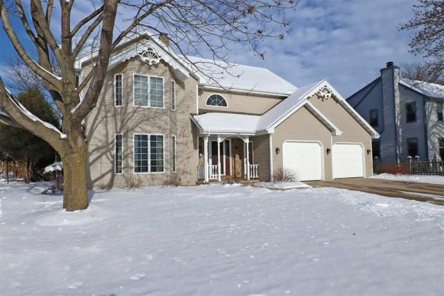 2308 W Twin Willows Drive, Appleton, WI 54914 (#50196351) :: Todd Wiese Homeselling System, Inc.